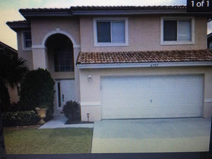 6105 Willoughby Circle, Lake Worth, FL 33463