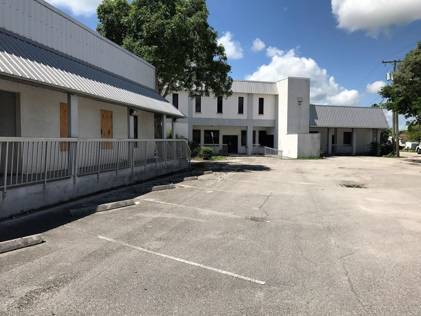 Additional photo for property listing at 408 Dr. Martin Luther King Jr Boulevard E 408 Dr. Martin Luther King Jr Boulevard E Belle Glade, Florida 33430 United States