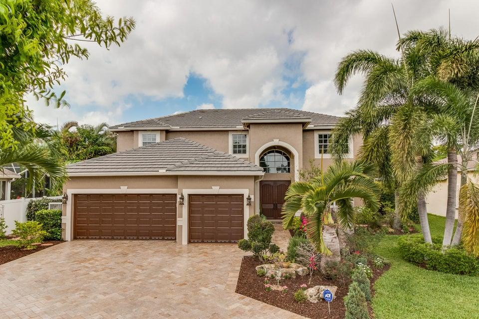 Maison unifamiliale pour l Vente à 16 Lake Eden Drive Boynton Beach, Florida 33435 États-Unis