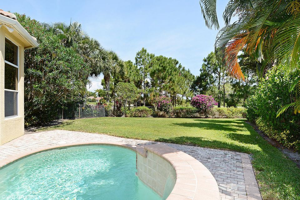 Additional photo for property listing at 293 Porto Vecchio Way 293 Porto Vecchio Way Palm Beach Gardens, Florida 33418 United States