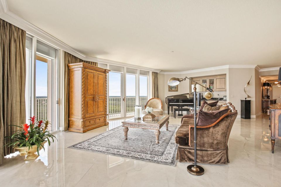Additional photo for property listing at 700 Ocean Royale Way  Juno Beach, Florida 33408 Vereinigte Staaten