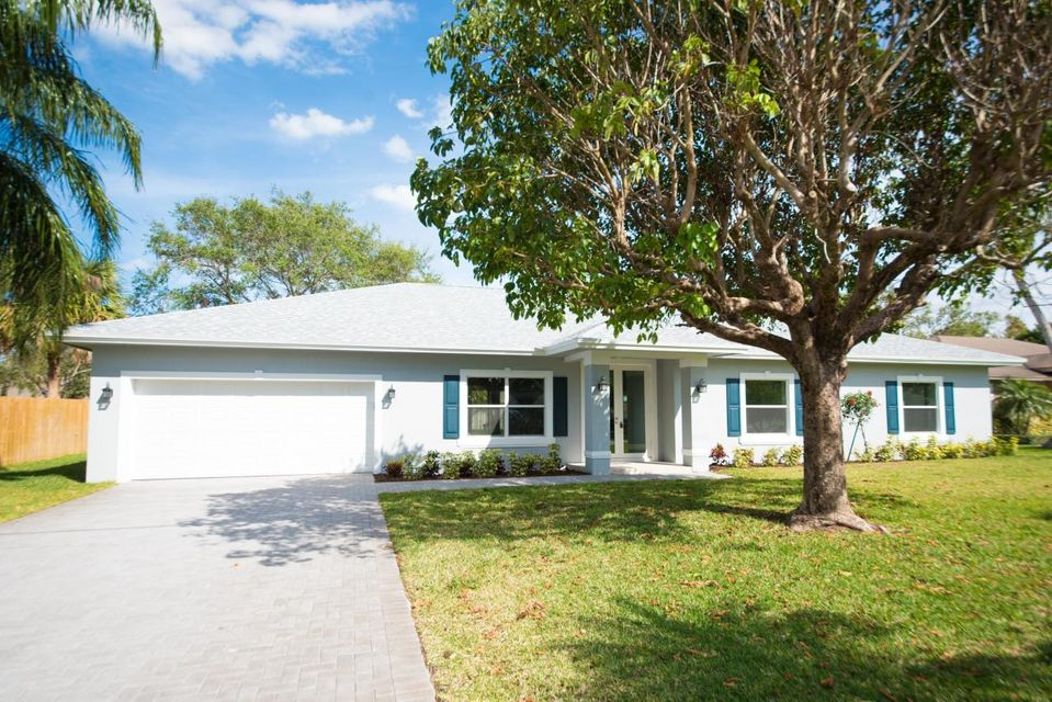 40 Yacht Club Place, Tequesta, FL 33469