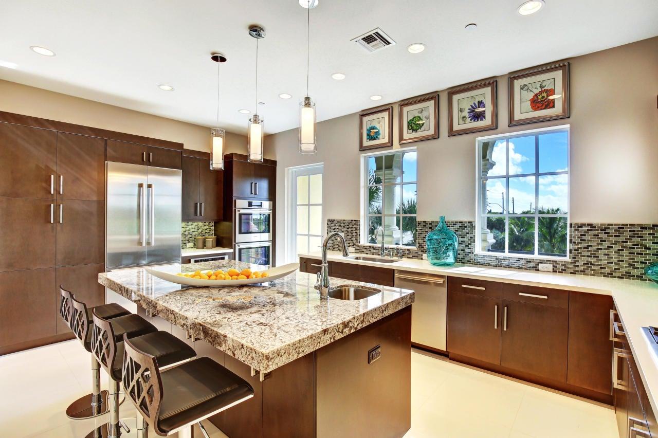 Additional photo for property listing at 139 Tierra Lane 139 Tierra Lane Jupiter, Florida 33477 Estados Unidos