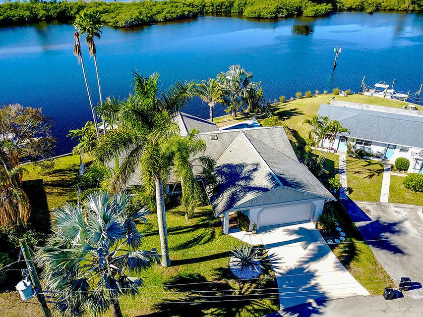 136 SW Cabana Point Circle, Stuart, FL 34994
