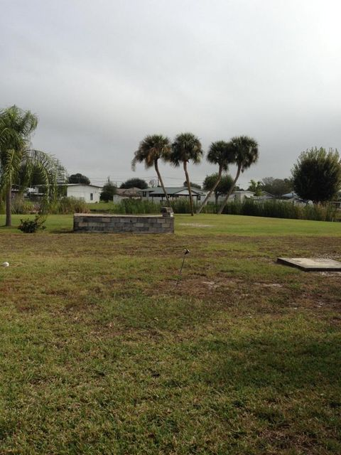 Additional photo for property listing at 1339 Chobee Loop  Okeechobee, Florida 34974 United States