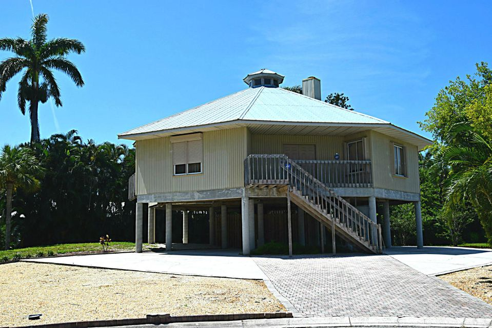 16 Cranes Nest Street, Sewalls Point, FL 34996