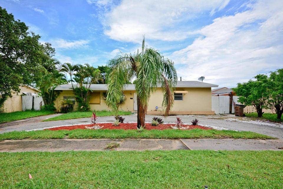 811 Evergreen Drive, Lake Park, FL 33403