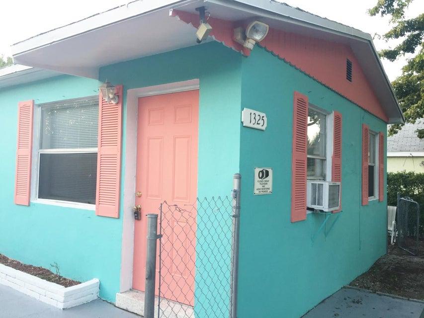 1325 S L Street, Lake Worth, FL 33460