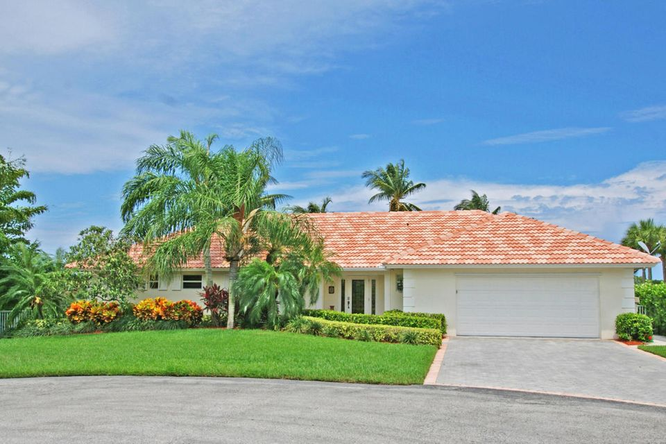 3 Saddleback Road, Tequesta, FL 33469