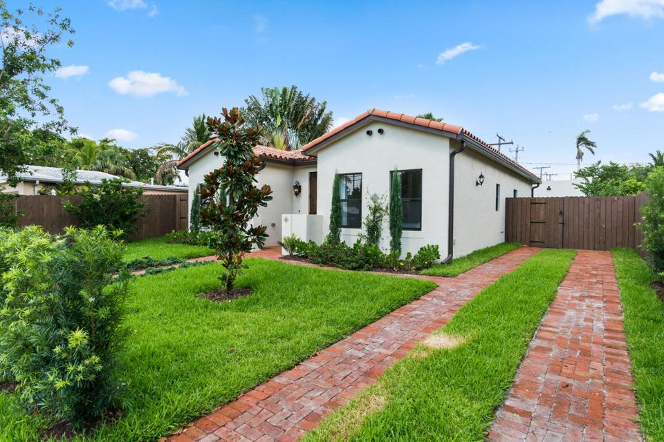 3505 Poinsettia Avenue, West Palm Beach, FL 33407