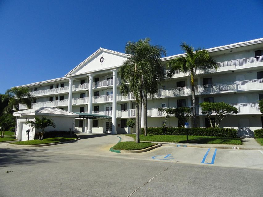 Cooperativa / condomínio para Venda às 2401 Village Boulevard West Palm Beach, Florida 33409 Estados Unidos