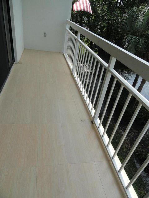 Additional photo for property listing at 2401 Village Boulevard  West Palm Beach, Florida 33409 États-Unis