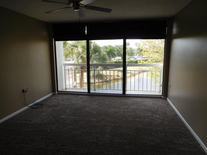 Additional photo for property listing at 2401 Village Boulevard  West Palm Beach, Florida 33409 United States