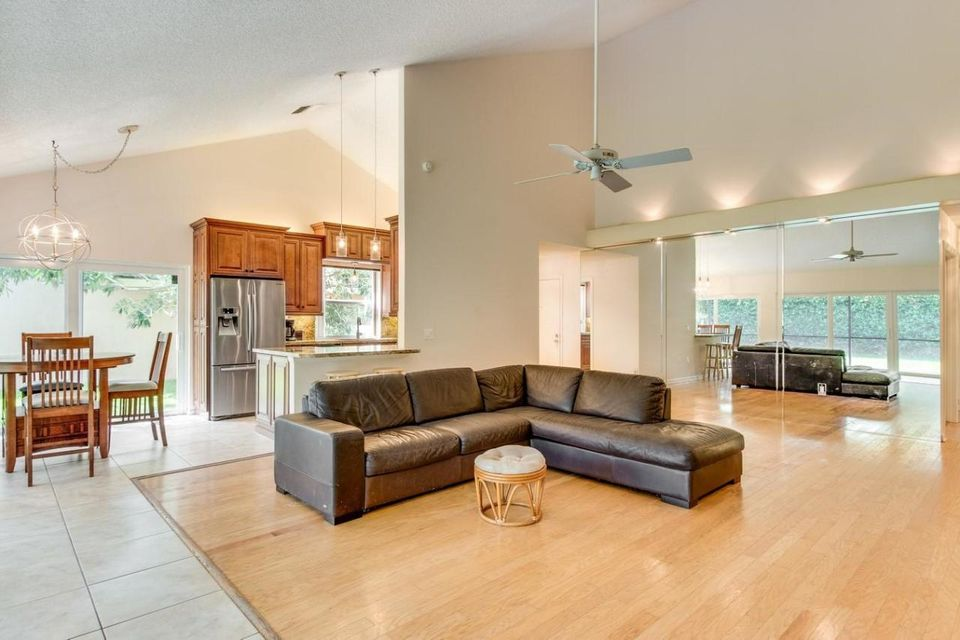 Additional photo for property listing at 109 Beach Summit Court  Jupiter, Florida 33477 United States
