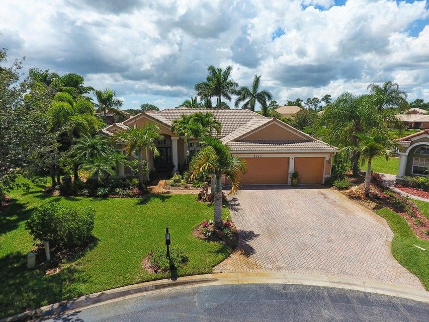 Additional photo for property listing at 8345 SW Sundance Circle 8345 SW Sundance Circle Stuart, Florida 34997 United States