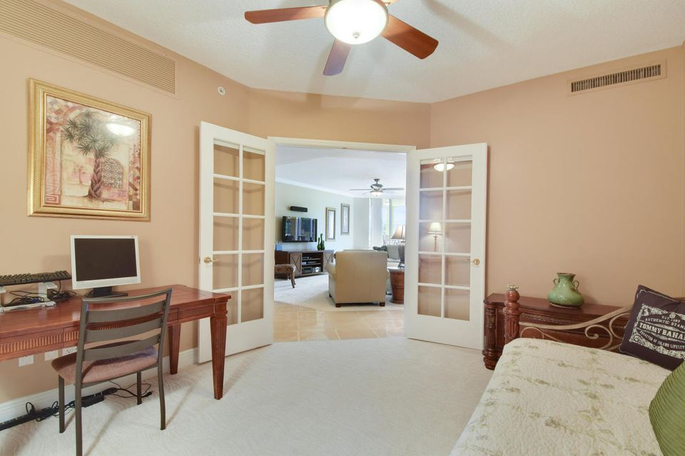 Additional photo for property listing at 340 Us 1 340 Us 1 Jupiter, Florida 33477 United States