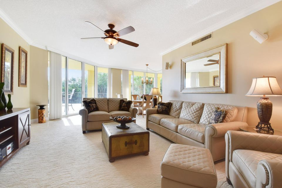 Additional photo for property listing at 340 Us 1  Jupiter, Florida 33477 Estados Unidos
