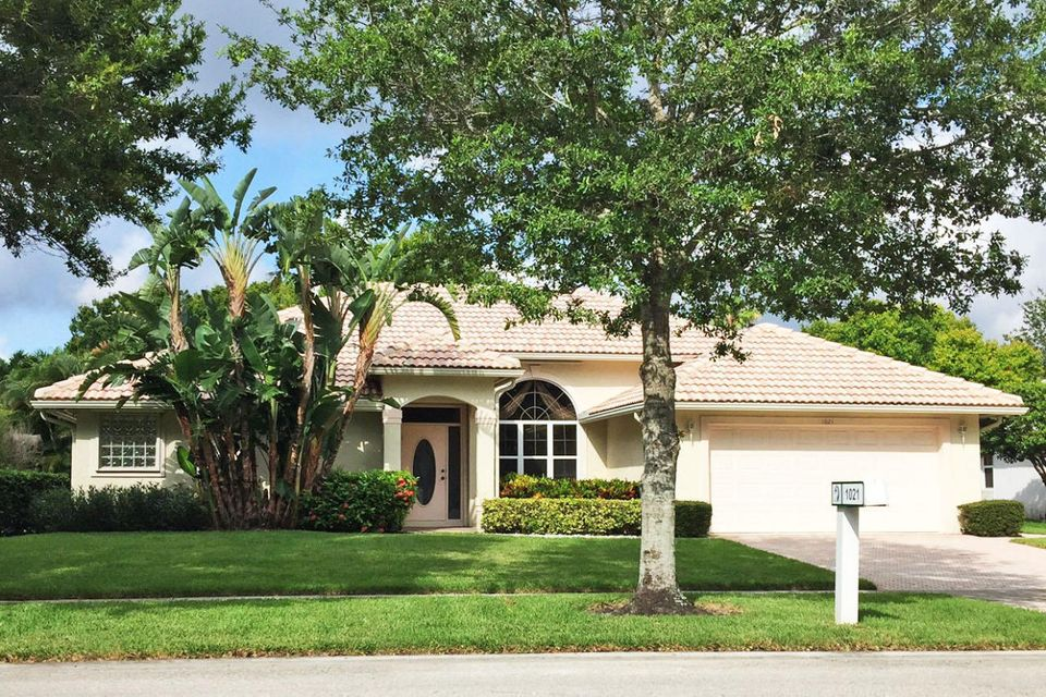 New Home for sale at 1021 Egret Circle in Jupiter