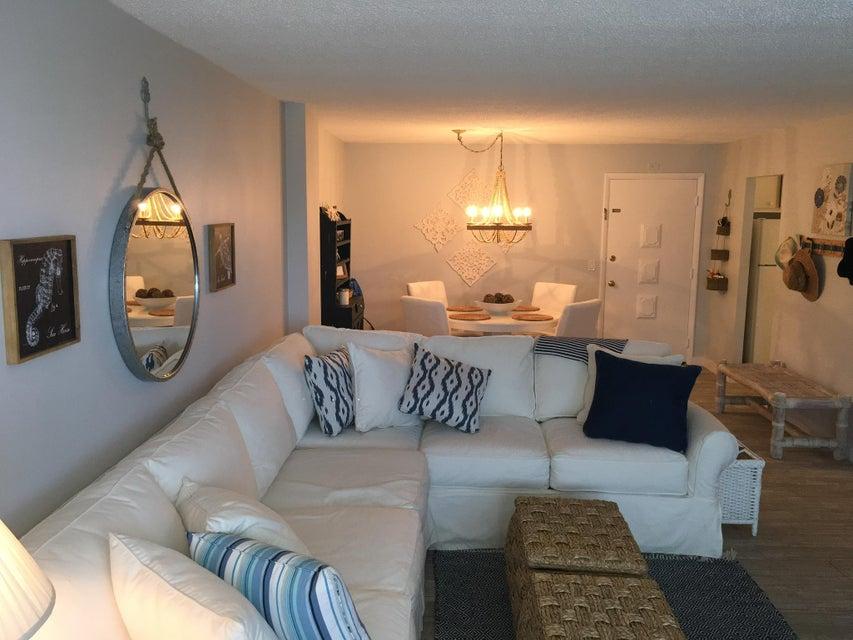 125 S Ocean Avenue 102, Palm Beach Shores, FL 33404