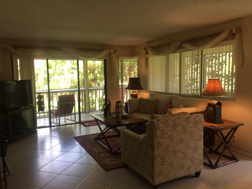 Additional photo for property listing at 529 Brackenwood Place 529 Brackenwood Place Palm Beach Gardens, Florida 33418 United States