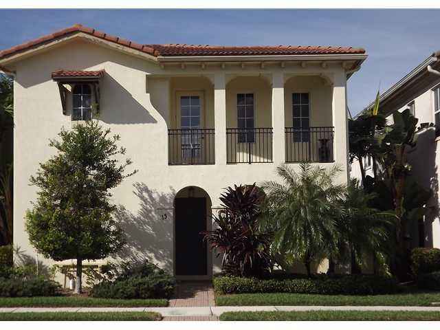 13 Stoney Drive, Palm Beach Gardens, FL 33410