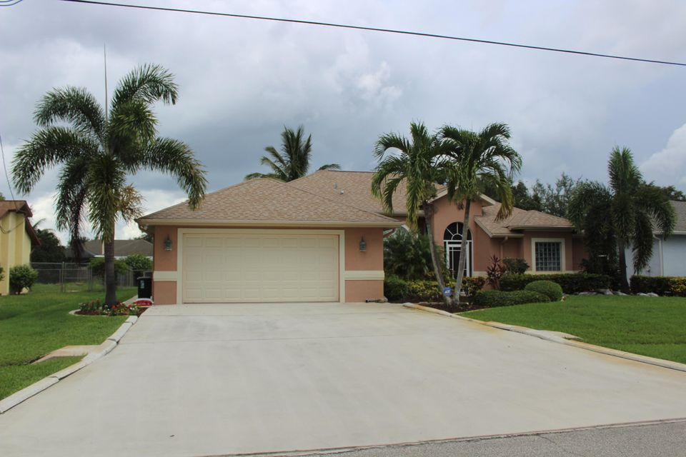 1722 SE Mariana Road, Port Saint Lucie, FL 34952