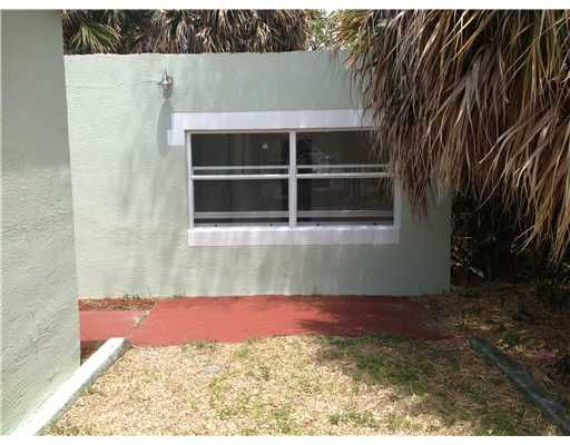 419 57th Street Cottage, West Palm Beach, FL 33407