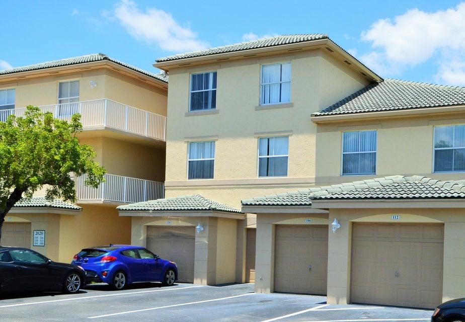 2040 Greenview Shores Boulevard 212, Wellington, FL 33414