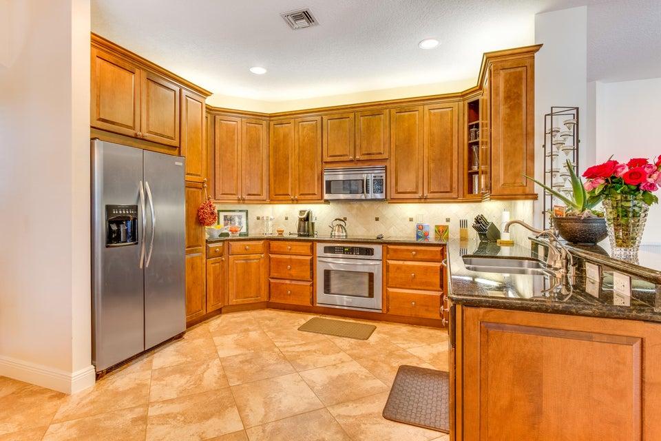 Additional photo for property listing at 16 Lake Eden Drive  Boynton Beach, Florida 33435 États-Unis