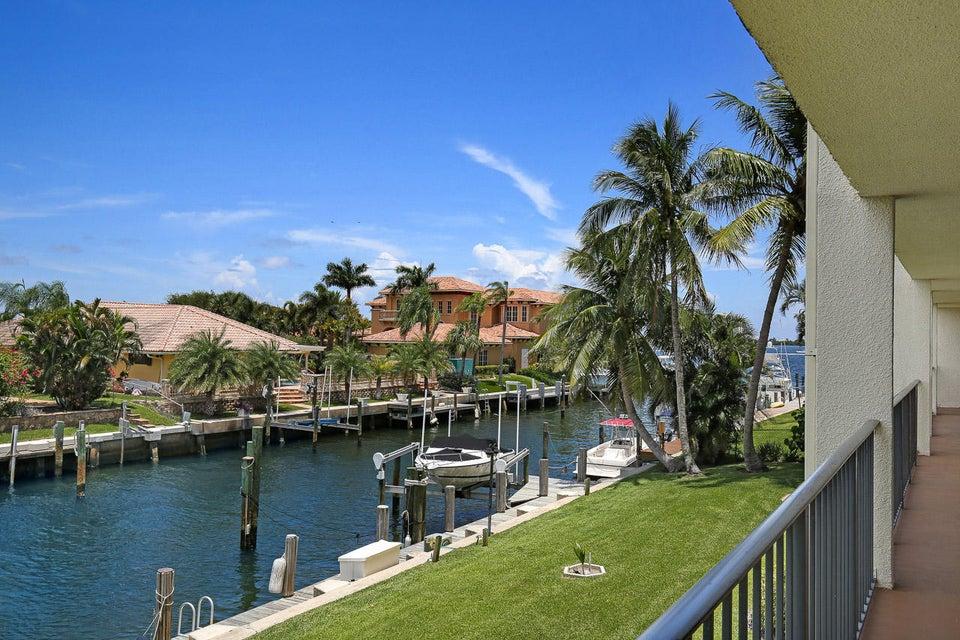 109 Paradise Harbour Boulevard 212, North Palm Beach, FL 33408