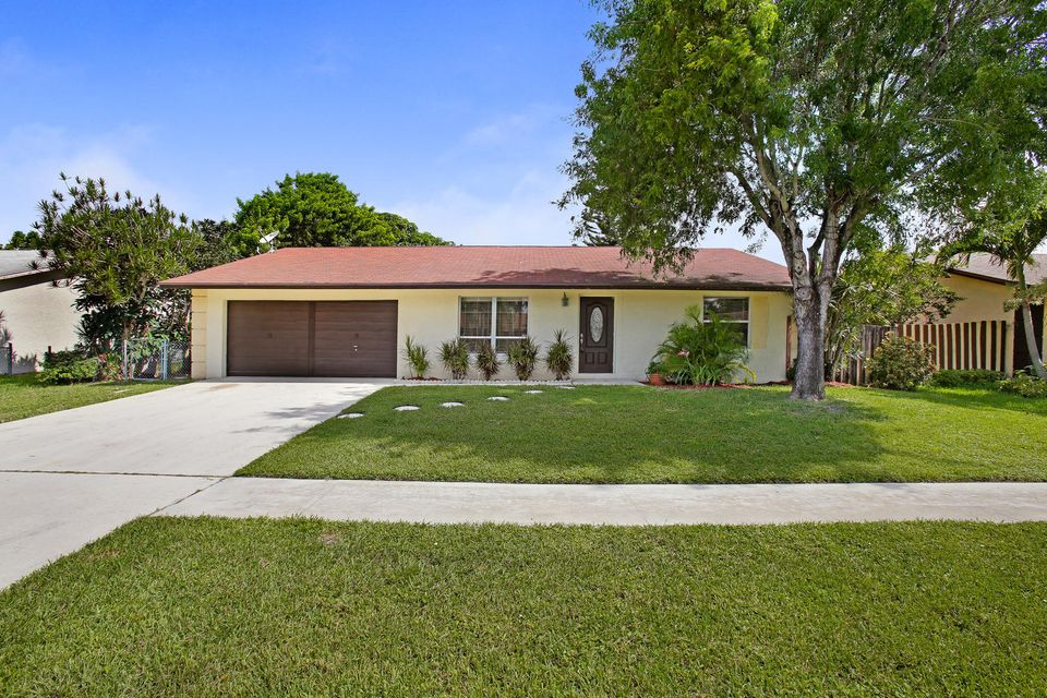 Home for sale in HOMES OF LEES CROSSING PL 2 Lake Worth Florida