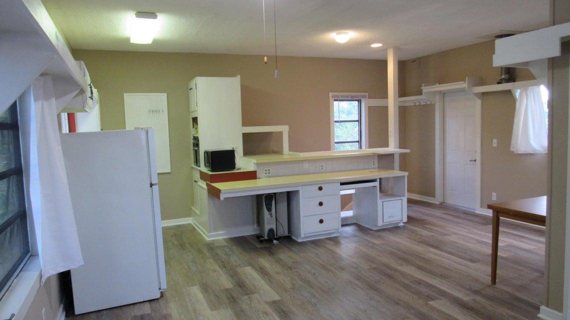 101 SW 4th Avenue Studio Above Garage, Boynton Beach, FL 33435