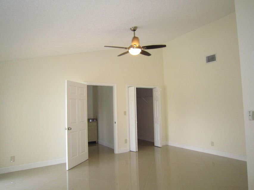 Additional photo for property listing at 21005 Madria Circle 21005 Madria Circle Boca Raton, Florida 33433 United States