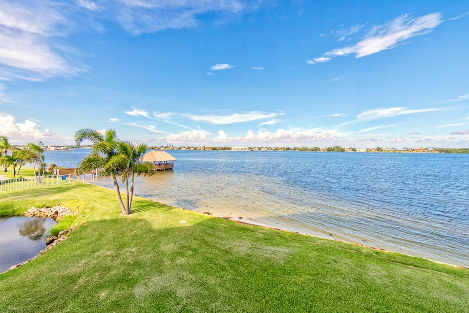 Additional photo for property listing at 8200 Lakeshore Drive  Hypoluxo, Florida 33462 United States
