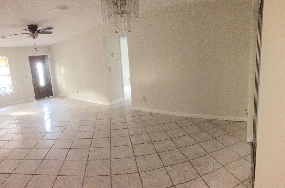 5774 Bermuda Circle S, West Palm Beach, FL 33407