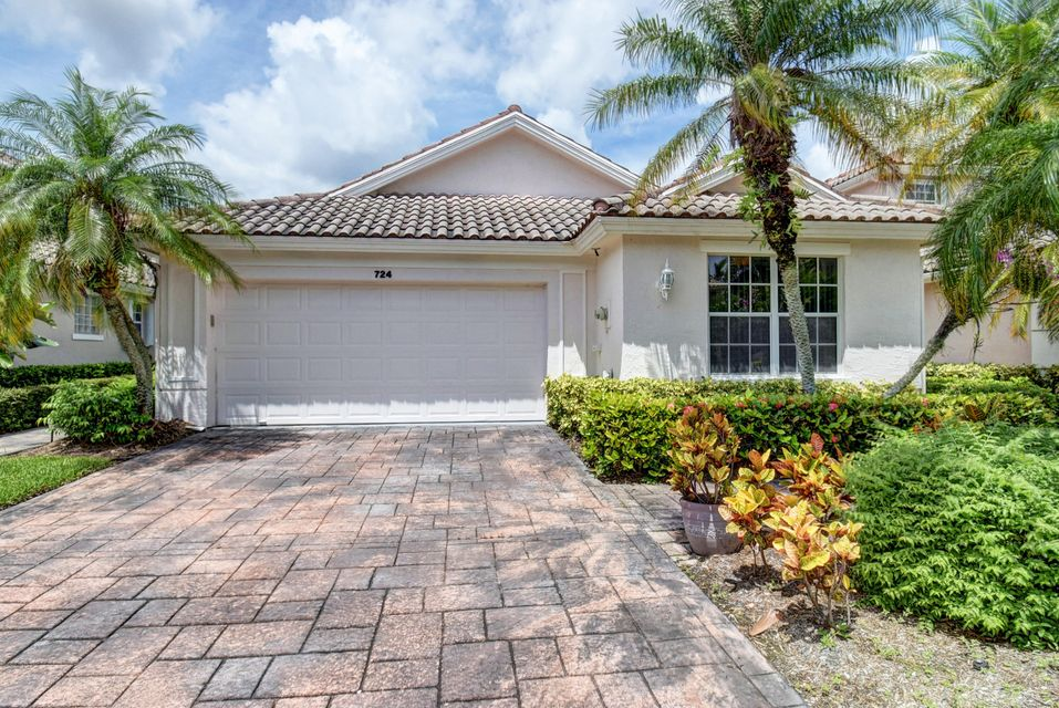 724 Pinehurst Way , Palm Beach Gardens FL 33418 is listed for sale as MLS Listing RX-10352093 47 photos