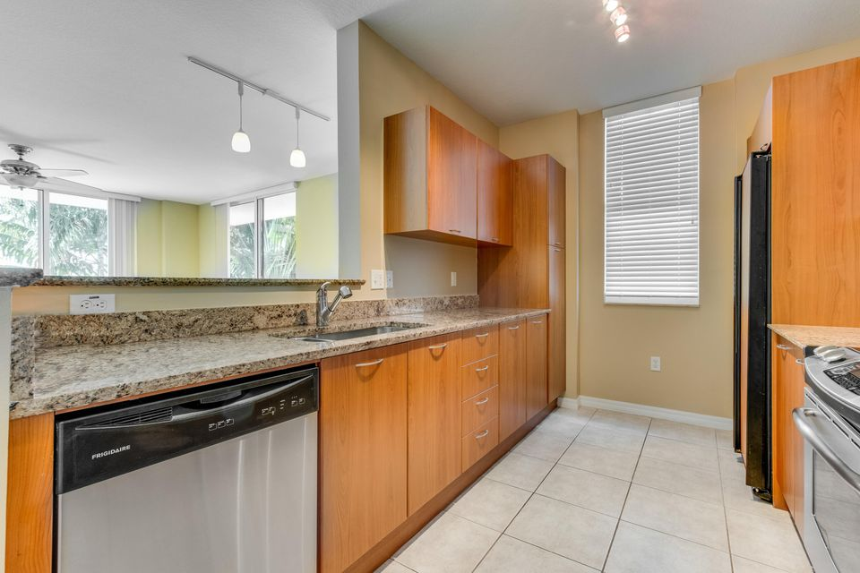 700 E Boynton Beach Boulevard Boynton Beach, FL 33435 - photo 14