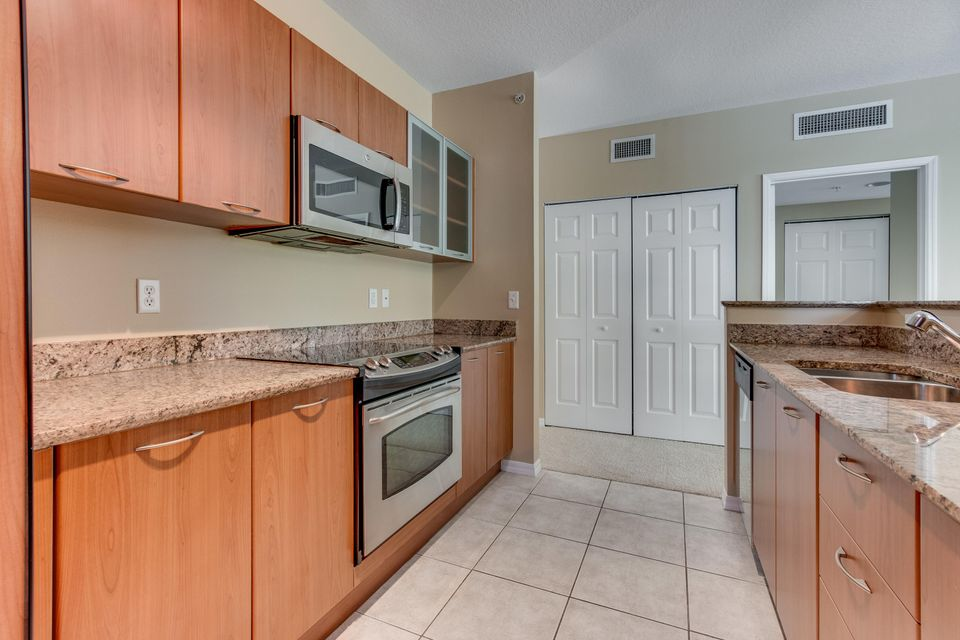 700 E Boynton Beach Boulevard Boynton Beach, FL 33435 - photo 15