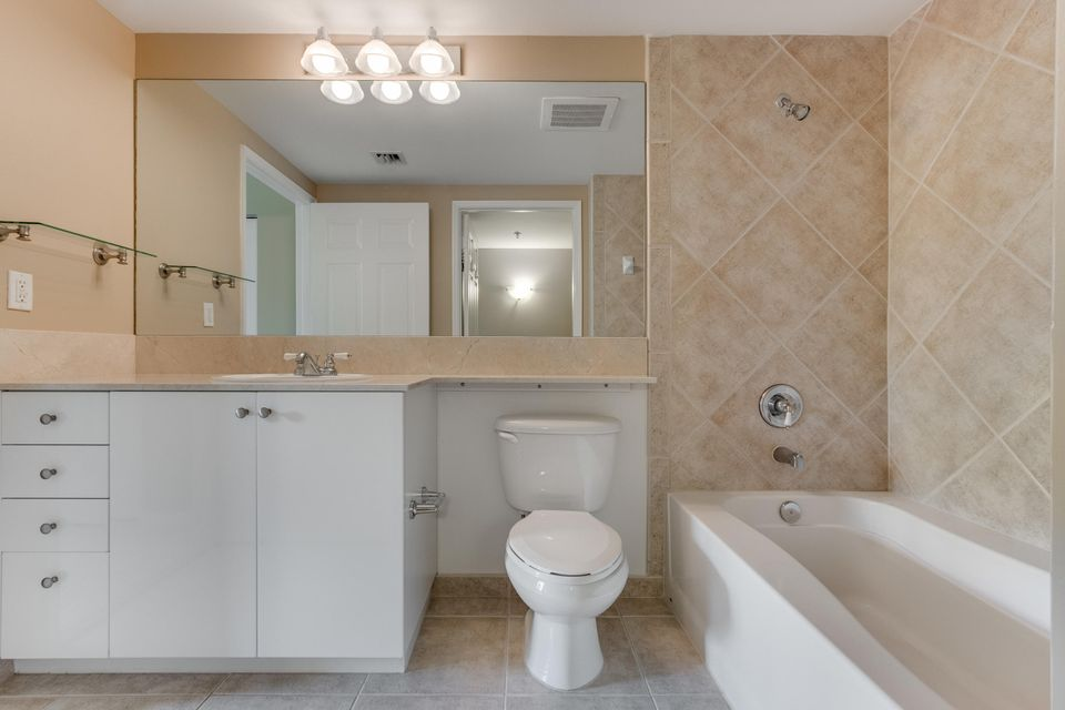 700 E Boynton Beach Boulevard Boynton Beach, FL 33435 - photo 19
