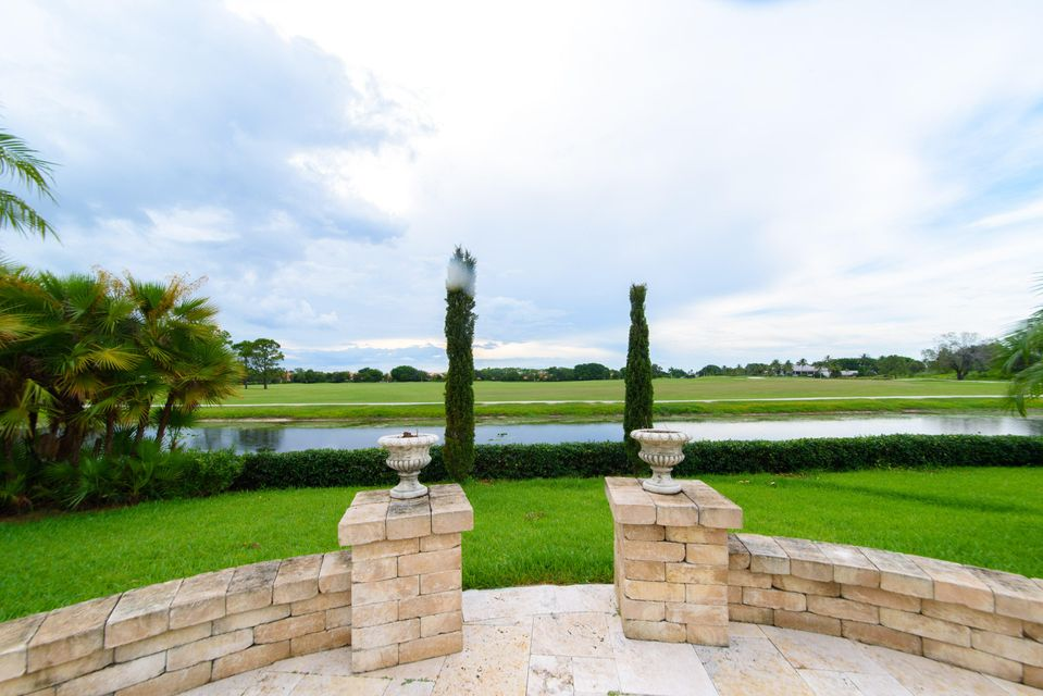 Additional photo for property listing at 2425 Golf Brook Drive 2425 Golf Brook Drive Wellington, Florida 33414 United States