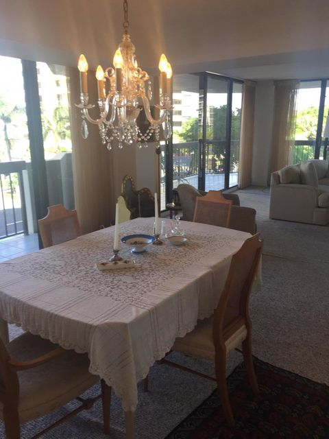 Additional photo for property listing at 108 Lakeshore Drive  North Palm Beach, Florida 33408 Estados Unidos