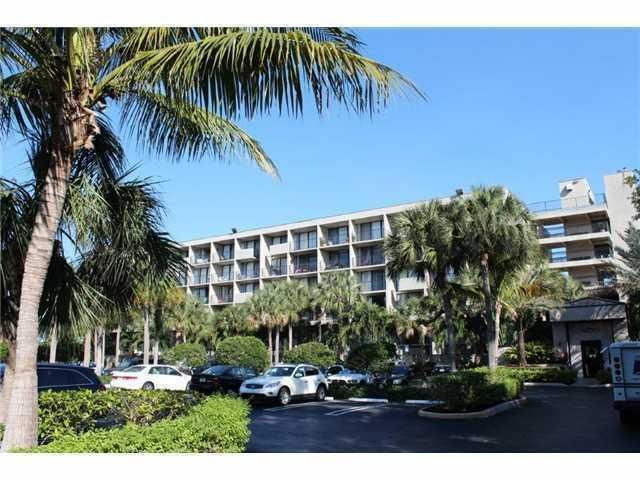1830 Embassy Drive 503, West Palm Beach, FL 33401