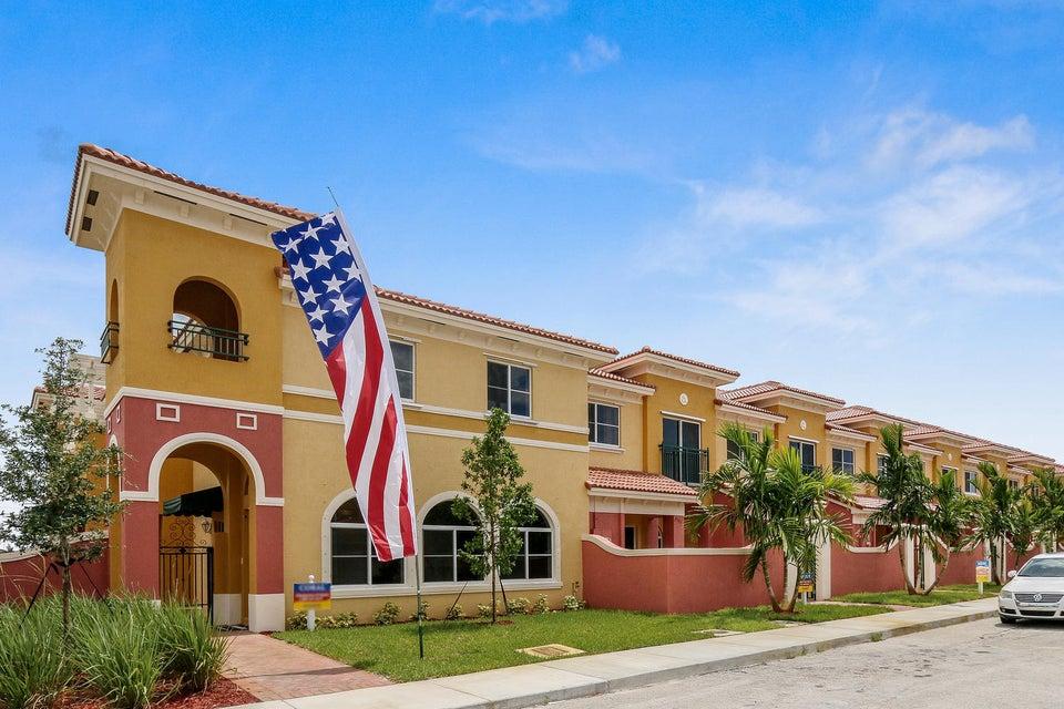 Villa für Verkauf beim 3537 NW 29th Court 3537 NW 29th Court Lauderdale Lakes, Florida 33311 Vereinigte Staaten