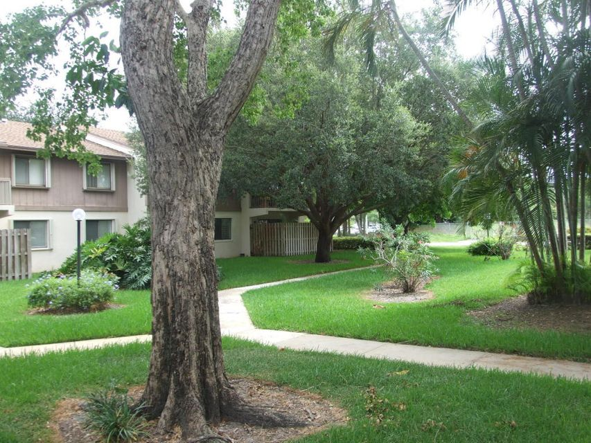 3402 Gardens East Drive 10b, Palm Beach Gardens, FL 33410