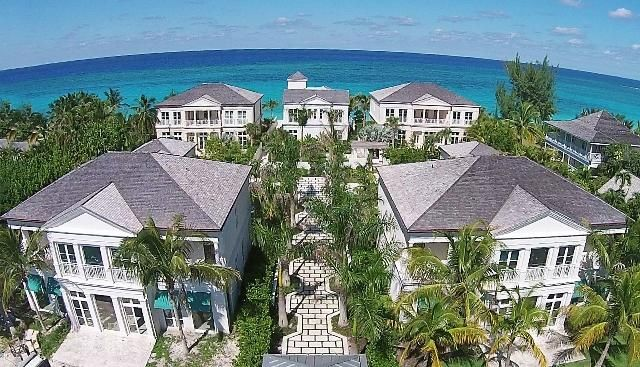 Additional photo for property listing at 0 Beach House, Paradise Island 0 Beach House, Paradise Island  Other Areas 00000 United States