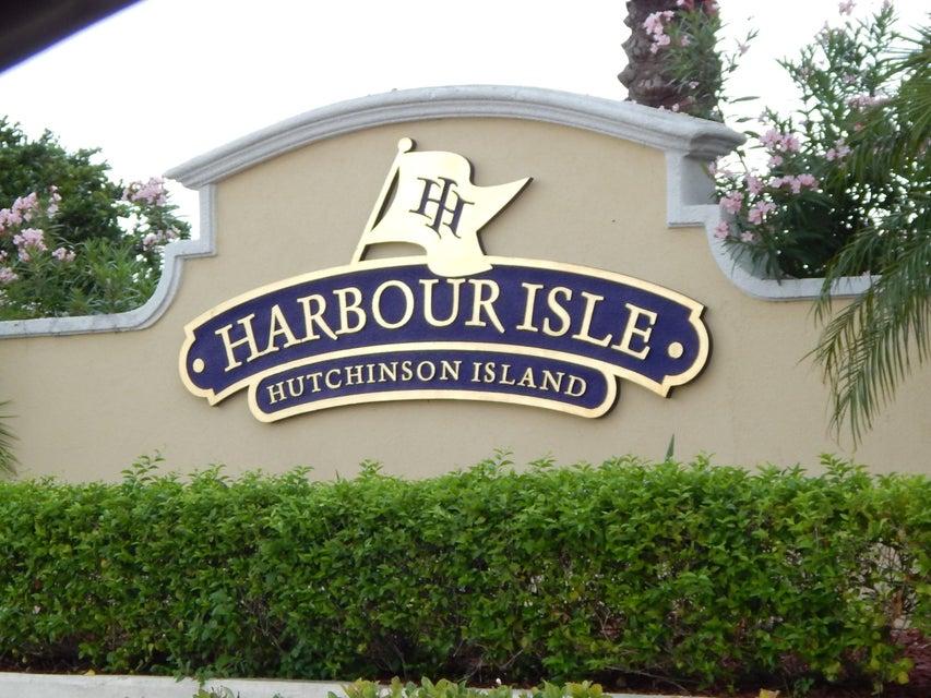 2 Harbour Isle Drive E 105, Fort Pierce, FL 34949