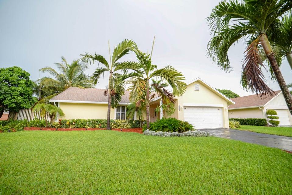 550 NW 45th Way, Delray Beach, FL 33445