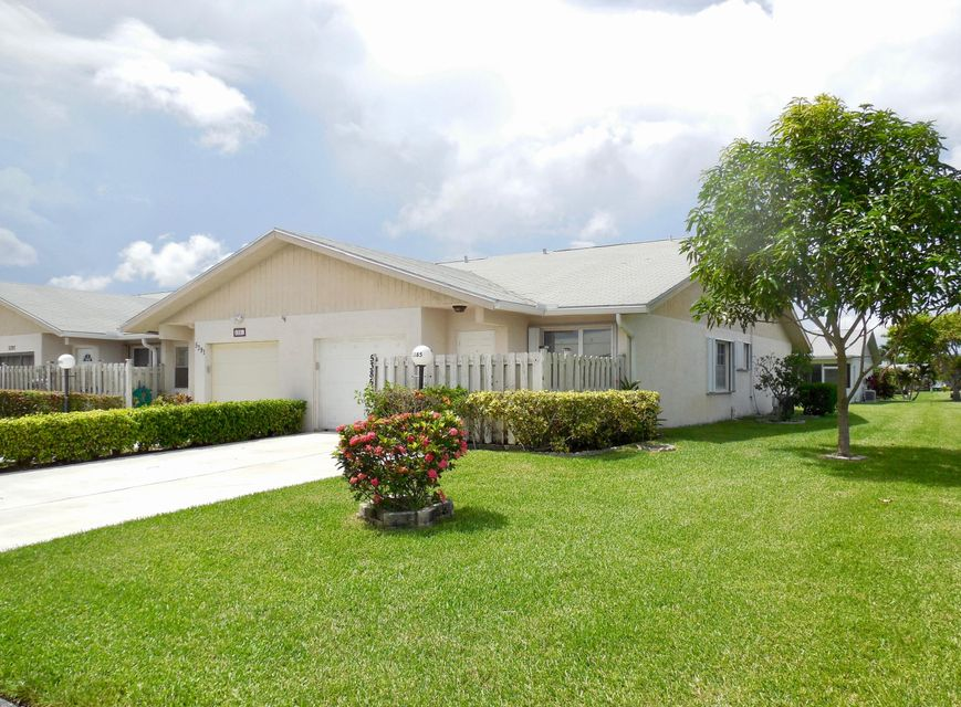Vila para Venda às 5385 Glenda Street West Palm Beach, Florida 33417 Estados Unidos