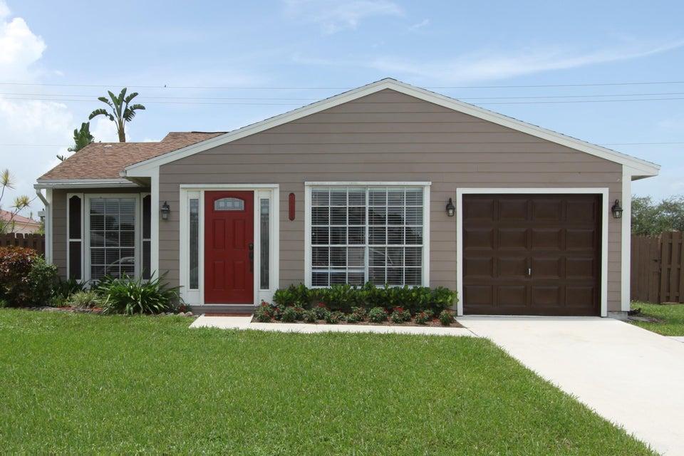 10664 Misty Lane, West Palm Beach, FL 33411