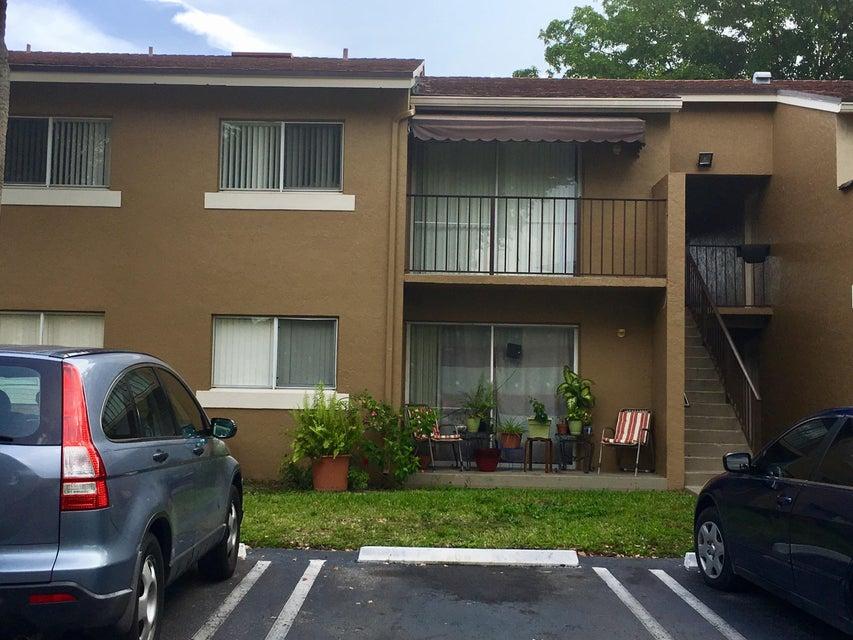 1151 Lake Terry Drive M, West Palm Beach, FL 33411